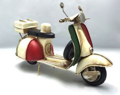 Etsy の Vintage light beige Italian scooter vespa by GiftlandDeco