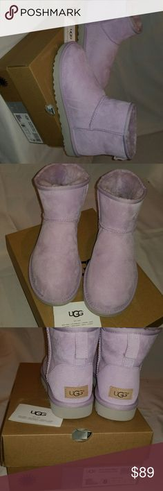 Water resistant Ugg boots model w classic mini color lrfg , size 8.0 woman's ,water resistant , incluided original box UGG Shoes Ankle Boots & Booties