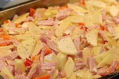 recept_kassler_gratäng Pasta Med Bacon, Recipe For Mom, Recipe Ideas, Everyday Food, Hawaiian Pizza, Chocolate Recipes, Pasta Salad, Potato Salad, Cabbage