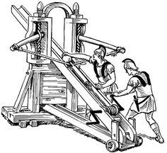 La baliste. Souvent assimilée à la catapulte (qui lançait des flèches), la baliste servait plutôt à balancer des gros morceaux de caillasse. Surtout utilisée par les Romains elle continuera, à avoiner par mal de châteaux assiégés après la chute de l'Empire et au début du Moyen-âge. Même si elle sera vite abandonnée au profit d'armes plus puissantes, on retrouvera encore des balistes à grenades dans les tranchées de la Grande Guerre.