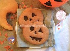 I biscotti di zucca di halloween sono una merenda divertente e buonissima per festeggiare questa festa ormai molto diffusa anche in Italia