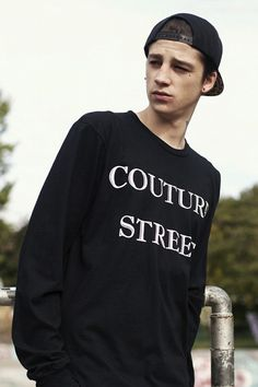 Ash stymest) hey im ash! I guess you can say im kinda a bad boy...17 you'll find out more later introduce? max is my sister