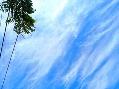 L cielo de La Libertad, Santa Elena. fotografía de Johnny Chunga @johnnychunga Ecuador #fotografia #johnnychunga #viajes Salinas Ecuador, Clouds, Beach, Outdoor, Political Freedom, Destiny, Sky, Viajes, Outdoors