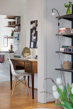 Biurko przy kuchni - Pokój do pracy - Styl Klasyczny - Aranżacja i wystrój wnętrz - Dom z pomysłem