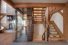 Entre modernité et tradition Habitation Kyo photo Construction, Architecture, Stairs, Loft, Parenting, House Design, Traditional, Bed, Furniture