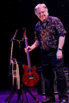 Rock N Roll Hall of Fame'r, music Icon, and D&A Guitar Gear artist - John Sebastian with one of only two prototype D&A 'Gemini' double guitar stands on the planet... the D&A GEMINI double guitar stand (cousin to the HYDRA) is slated for release sometime soon....when?  Only we know. #ComingSoon   ~D&A