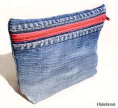 Denim toiletry bags / pencil cases FREE TUTORIAL with pictures - Ompeluohje… Diy Jeans, Jeans Pants, Jeans Recycling, Jean Diy, Denim Purse, Denim Ideas, Denim Crafts, Couture Sewing, Recycled Denim