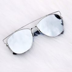 Silver Metal Mirror Sunnies Brand new - no tags. Silver metal oversized mirror sunnies with flat lenses and plastic temples. Current shipment has flatter and more lightweight lenses that first 3 photos, small difference. Photos are my own. Price is firm. Multi item listing, you can purchase directly from the listing. OS11619   ❌No trades ❌No PayPal ❌No asking for the lowest price Accessories Sunglasses