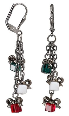 Chain Dangle Christmas Gift Earrings Design. #Christmasjewelry #DIYjewelrymaking #holiday