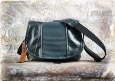 Leather Camera Bag  - Houndstooth Leather Medium DSLR - IN STOCK. $140,00, via Etsy.
