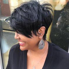Bang growth plan. Honey Kee hair. Who wants it? #thecutlife #modernsalon #emmys #aveda #liketheriversalon #najahliketheriver #bangs #americansalon #wellalife #bblogger #fallhair