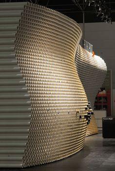 8,140 cardboard tubes: trade fair design for our realisation partner Projektpilot...