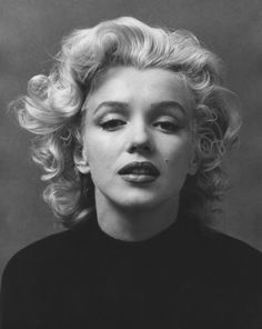 June 1926 – August 1962 Actress Marilyn Monroe was born Norma Jeane Mortenson on June in Los Angeles, California. During her all-too-brief life, Marilyn Monroe overcame a dif… Fotos Marilyn Monroe, Marilyn Monroe Portrait, Marilyn Monroe Hair, Marylin Monroe Drawing, Marylin Monroe Style, Famous Photographers, Norma Jeane, Old Hollywood, Hollywood Stars
