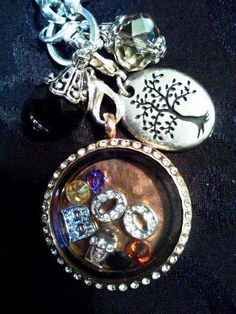 Origami Owl Locket - Halloween- Click on the picture to shop or join my team! Designer# 18188