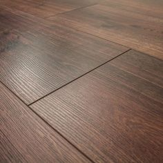 £9.60 Series Woods 8mm Homage Oak V Groove Laminate Flooring