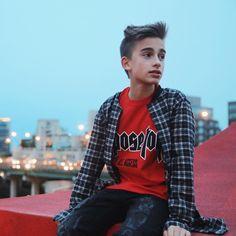 13 - Singer - LA /Toronto ⁶ Snapchat - Johnnyosnap Twitter - JohnnyOsings Biz -Johnnyobooking@gmail.com New single #DayAndNight