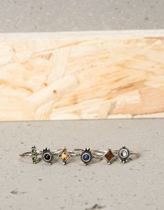 Set 6 anillos minimal stone colores - Bershka