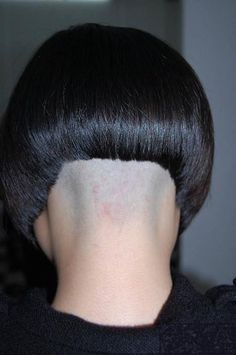 Nape Undercut, Undercut Long Hair, Undercut Hairstyles, Shaved Bob, Shaved Nape, Different Hairstyles, Short Hairstyles For Women, Sexy Bob Haircut, Short Hair Cuts