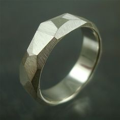 Sterling geometric Band... wish it was in platinum.