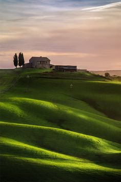 awakenedvibrations:  Farm on the hill. Tuscan, Italy.