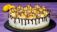Pentru amatorii de eclere, avem o rețetă extraordinară de tort Ecler. Eclerele sunt delicioase, iar acest tort este nemaipomenit de gustos. Acest tort este din baza de aluatul de eclere, mini eclere umplute cu o Dessert Drinks, Dessert Recipes, Romanian Desserts, Choux Pastry, No Cook Desserts, Sweet Cakes, Something Sweet, I Foods, Tiramisu