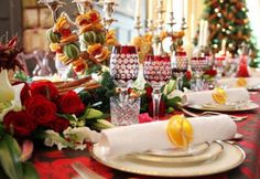 Luxurious Christmas Decorating Idea for Holiday Dinner