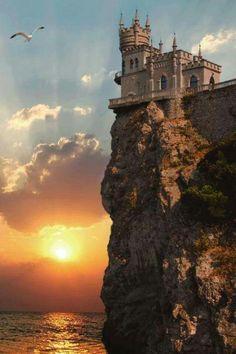 Kalenin adı: Kırlangıç Yuvası... Güney Ukrayna.