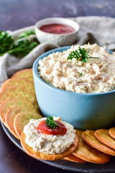 Shrimp Dip on a cracker with cocktail sauce Quick And Easy Appetizers, Easy Appetizer Recipes, Yummy Appetizers, Dip Recipes, Keto Snacks, Seafood Rice Recipe, Frozen Shrimp Recipes, Shrimp Etouffee