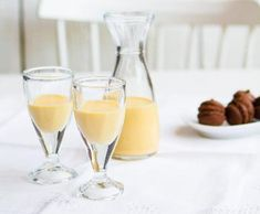 Vaječný koňak | Recepty Albert White Wine, Glass Of Milk, Smoothie, Alcoholic Drinks, Food And Drink, Gluten Free, Cooking, Cakes, Smoothies