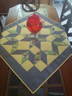Caminho de mesa quadrada