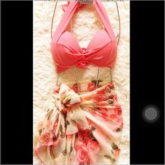 bikinI& cover up Very sexy push up bra. And super nice cove up. Super cute for beach. Just wear once for photos.☺️you need this! Swim Bikinis