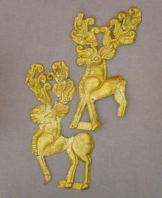 Plaques scythes en forme d'un cerf de marche  4ème siècle avant JC , Adighe , aul Ulyap , kurgan 1 Caucase du Nord