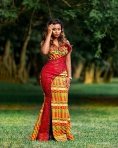 8 Gorgeous Kente Styles For Tuesday! – A Million Styles African Formal Dress, Best African Dresses, Latest African Fashion Dresses, African Print Fashion, African Attire, Africa Fashion, Modern African Fashion, Best African Dress Designs, Ghana Fashion
