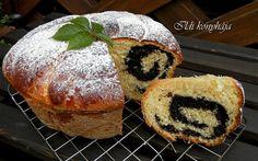 Mákos kuglóf, nagyon egyszerű az elkészítése, érdemes kipróbálni! Poppy, Muffin, Bread, Baking, Breakfast, Food, Morning Coffee, Brot, Bakken