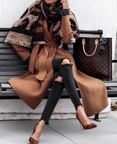 16 Trendy Fall Outfits To Try Now Modetrends Trendy Fall Outfits, Winter Fashion Outfits, Fall Fashion Trends, Stylish Outfits, Autumn Fashion, Fashion Clothes, Autumn Outfits, Office Outfits, Black Women Fashion