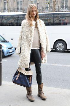 白い上着もイイですねー。 - 海外のストリートスナップ・ファッションスナップ