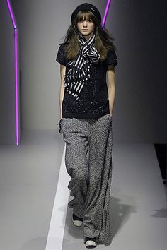 DKNY Fall 2007 Ready-to-Wear Fashion Show - Alex Sandor