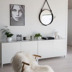 Minimalist living room is extremely important for your home. Because in the living room all the activities will starts in your pretty home. locatethe elegance and crisp straight Minimalist Living Dining Room. Ikea Interior, Living Room Interior, Living Room Decor, Interior Design, Interior Ideas, Small Living Room Design, Living Room Designs, Indian Living Rooms, Home Decor