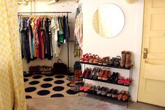 New bedroom diy closet garment racks 52 Ideas Basement Closet, Pipe Closet, Hipster Stil, Diy Clothes Rack, Diy Pipe, Basement Makeover, Diy Clothes Videos, Garment Racks, Rack Design
