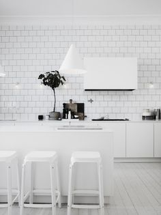 cherry blossom blog: a peek inside an interior stylists home // Kitchen