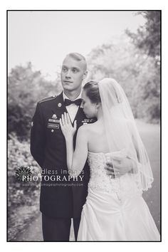 Military Wedding, bride and groom photo, army  la crosse wisconsin wedding photographer, www.endlessimagesphotography.com