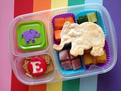 Eats Amazing is an adorable blog about lunchboxes. | This Mum Makes The Most Amazing Lunchbox Art For Her Kid Every Day
