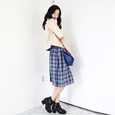 [Blue Check Skirt] A midi skirt featuring a blue and gray check pattern. Comfortable elasticized waist band at the back. Great skirt for Fall and Winter. Vintage and Trendy style.
