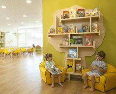 Kindergarten in Israel Daycare Design, Classroom Design, Classroom Decor, School Design, Kindergarten Interior, Kindergarten Design, Kids Library, Library Design, Decoration Creche