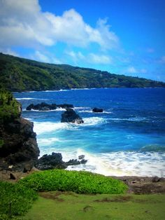 Maui coastline- Road to Hana <3 One of the most beautiful drives I've ever been on!