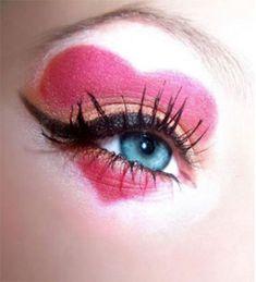 queen of hearts eye make up Queen Of Hearts Makeup, Queen Of Hearts Costume, Queen Costume, Valentine Day Special, Valentine Heart, Valentine Picture, Valentine Wreath, Maquillaje Halloween, Halloween Makeup