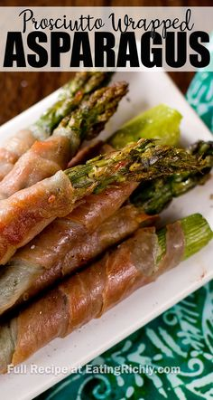 asparagus recipes Prosciutto wrapped asparagus is roasted in the oven for an easy, flavorful party appetizer. Perfect for holidays and entertaining! Prosciutto Appetizer, Asparagus Appetizer, Grilled Asparagus Recipes, Oven Roasted Asparagus, Prosciutto Wrapped Asparagus, Tostadas, Appetizers For Party, Appetizer Recipes, Dinner Recipes