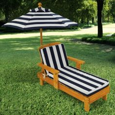 kid's outdoor chaise lounger, available @ costco in pink of course!