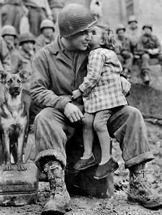 American soldier with French child after the Liberation