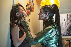 Rita Repulsa (Elizabeth Banks) corners Trini the Yellow Ranger (Becky G) in this new photo from the upcoming Power Rangers film. A new group of super human power rangers must […] Power Rangers 2017, Power Rangers Reboot, Power Rangers Movie 2017, First Power Rangers, Rita Repulsa, Becky G, Rj Cyler, Best New Movies, The Hunger Games